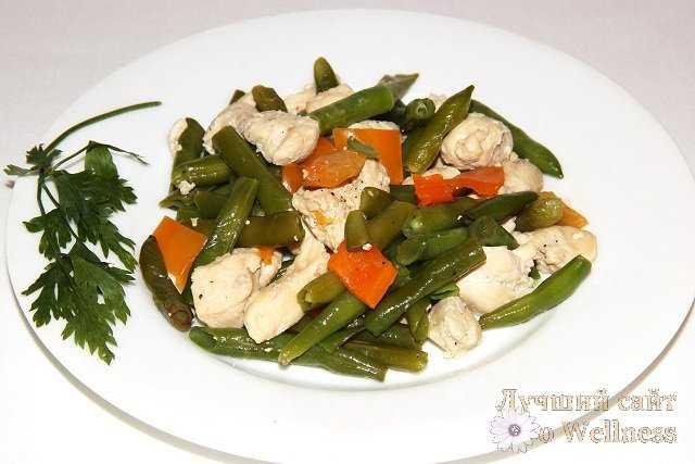 Куриная грудка с овощами.