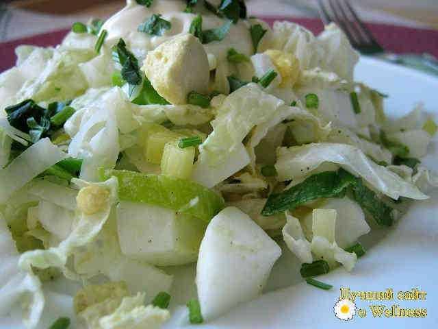 Салат из пекинской капусты с лугом-пореем